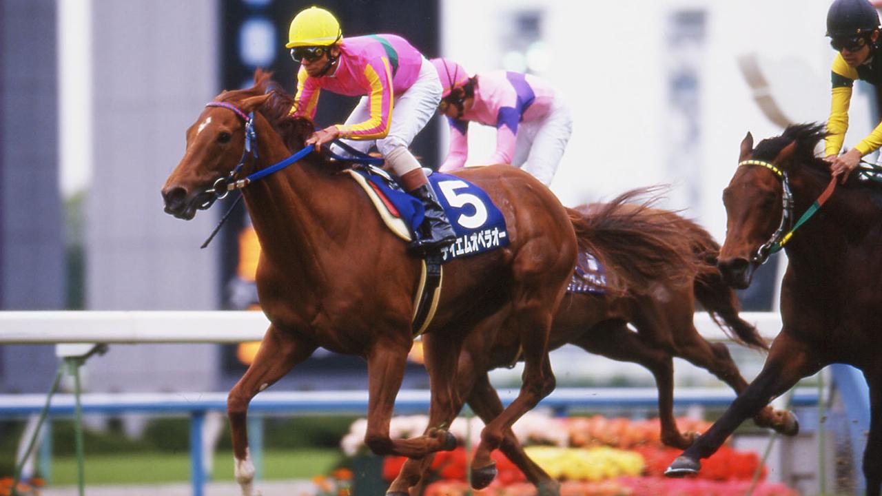 日本経済から読み解くテイエムオペラオー 偉大な賞金王の記録