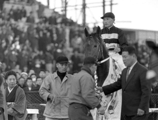 プロローグ 有馬記念の沿革と歴史 - 有馬記念で振り返る競馬ブーム(上 ...