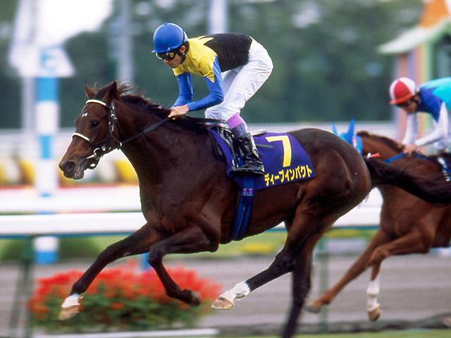 史上2頭目の無敗の三冠馬ディープインパクト