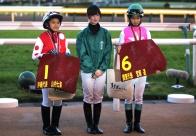 騎手を夢みる少女と家族に同行した、馬産地尽くしの北海道旅行