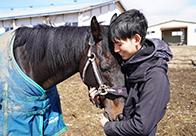 ローズキングダムも暮らすヴェルサイユファーム(1) 引退馬を守りたい—再整備へ新たな挑戦