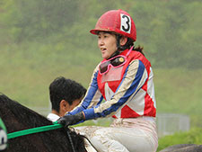 【岩永千明騎手】3年3か月のブランクを乗り越え「怪我で辞めるのはイヤ、後悔の残らない騎手人生に」(無料公開)