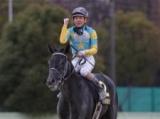 地元岡部騎手の好騎乗、デルマルーヴルが久々の勝利/名古屋グランプリ回顧(斎藤修)