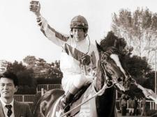 86年メジロラモーヌ セオリー無視の下り坂発進 河内、馬の力信じて三冠奪取