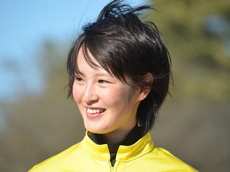 3月3日(木)の川崎競馬でデビューする見込みとなった藤田菜七子騎手(写真は模擬レースでのもの)