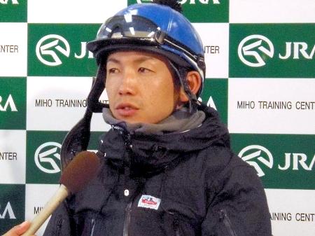「本命が嫌いな方は僕の馬を買って下さい」と語ったウインファビラスの松岡騎手(撮影:佐々木祥恵)