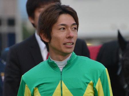 熊本地震の被災地支援として200万円を寄付した和田竜二騎手(JRA)