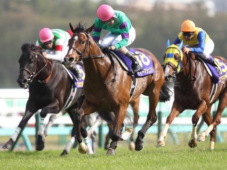 クラシック2冠を目指す皐月賞馬ディーマジェスティは1枠1番からのスタート(写真は2016年皐月賞優勝時、撮影:下野雄規)