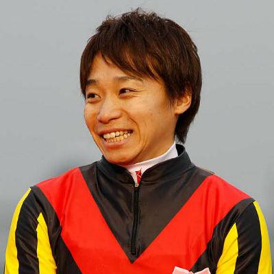 オルフェーヴルで有馬記念を制した池添謙一騎手(撮影:下野 雄規)