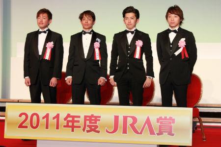 左から山本康志、岩田康誠、福永祐一、池添謙一各騎手