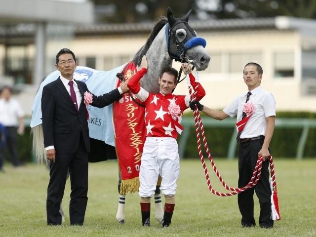 高松宮記念で再コンビを結成するレッドファルクスとM.デムーロ騎手(撮影:下野雄規)