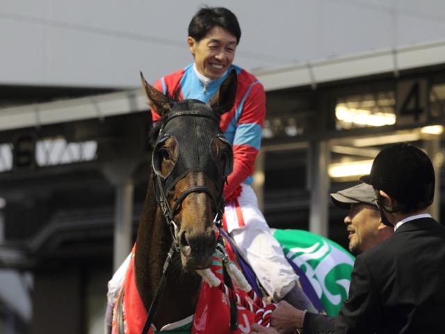 武豊騎手騎乗のアウォーディーは1番枠からのスタート(写真は2016年JBCクラシック優勝時、撮影:高橋正和)