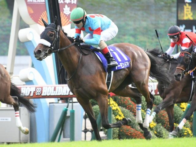 牝馬三冠を達成したアーモンドアイ