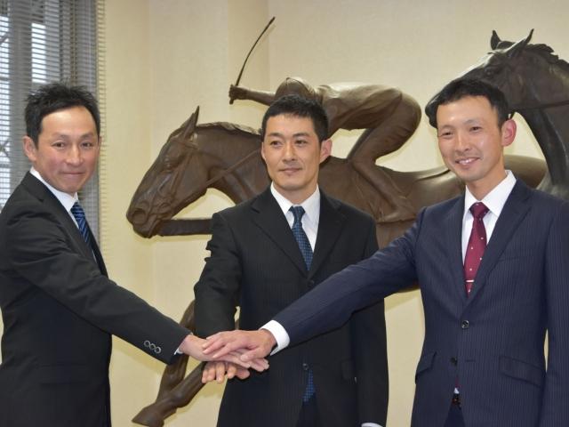 向かって左から小手川準さん、深山雅史さん、宮田敬介さんが笑顔をみせた(撮影:佐々木祥恵)