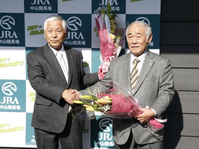 引退をむかえた柴田政人調教師(写真:右)(c)netkeiba.com、撮影:下野雄規