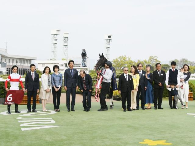 ダノンプレミアムが人気に応え快勝(c)netkeiba.com