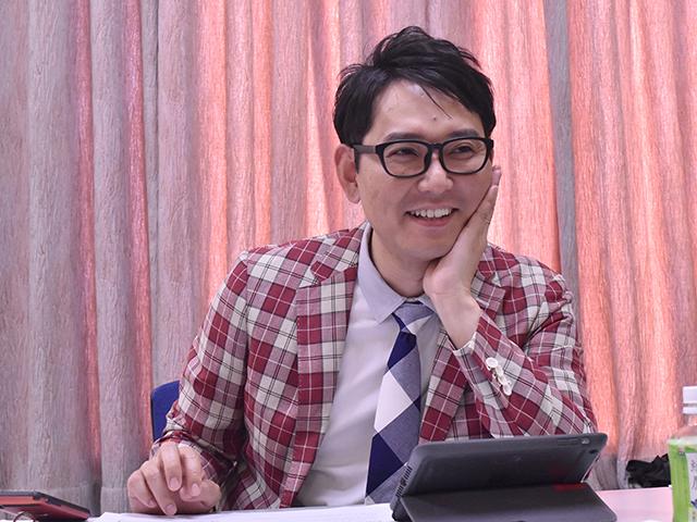 自身の日本ダービーの思い出と同時に、今年のダービーの見解についても語ってくれたナイツ土屋さん。(C)netkeiba.com