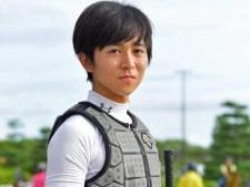 【セントウルS】2度目海外遠征の小崎綾也 出発前にキングハートで弾みつける