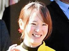 藤田菜七子が今年JRA35勝目「よく伸びてくれました」