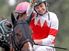 【WASJ】フランスの美人ジョッキー・ミシェル JRA初勝利!総合3位タイに
