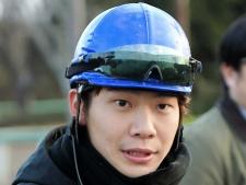 落馬負傷の三浦皇成騎手、復帰は「3月頃を目指し」 ギプス固定で治療