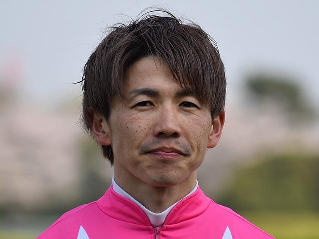 松岡正海騎手は左大腿骨骨折の疑い(撮影日は昨年4月7日)