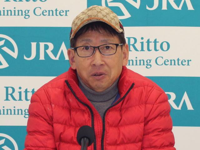 「今回頑張ってチャンピオンになってほしいです」と語った安田隆行調教師(撮影:花岡貴子)