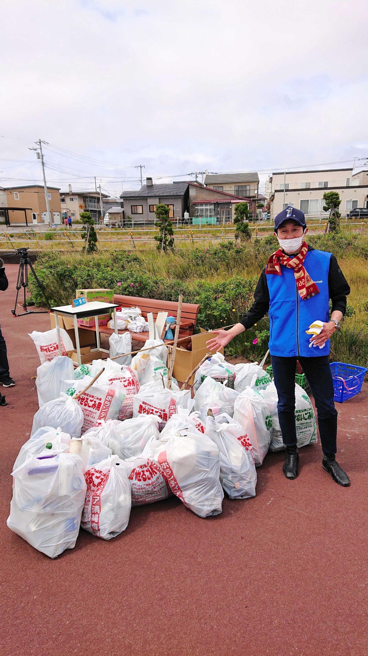 函館で清掃ボランティアを行った武豊