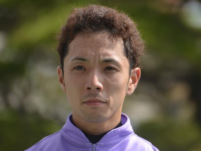 乗り替わりとなる藤懸貴志騎手(撮影日:2017年8月5日)