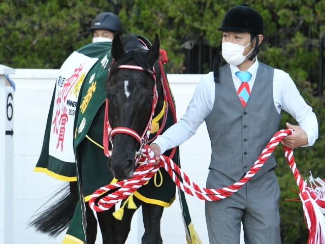 無敗の三冠馬となったコントレイル(c)netkeiba.com
