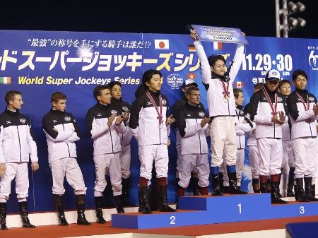 第28回ワールドスーパージョッキーズシリーズは、浜中俊騎手が42ポイントを獲得し初優勝(撮影:下野雄規)