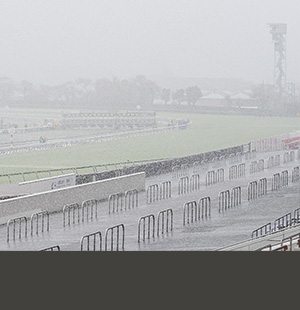中山3R以降は開催中止<br/>続行競馬は31日火曜実施